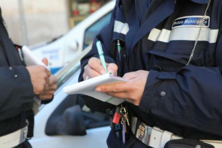 Controlli nell'area mercatale, sanzioni da parte della polizia locale