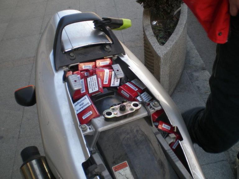 Contrabbando di sigarette, 5 denunciati, anche un 17enne di Cercola
