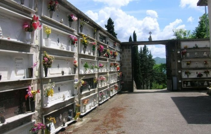 clamoroso cimitero saviano