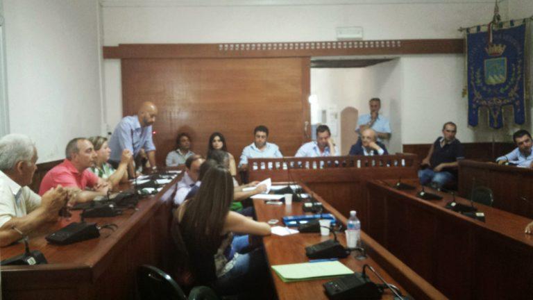 Proposte e accuse nel Consiglio in cui si discuteva del Casamale