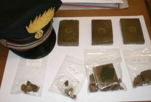 Brusciano. Carabinieri arrestano un uomo, nelle tasche stecchette di hashish