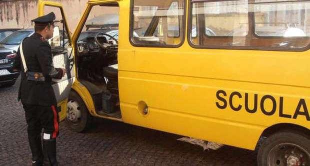 Pollena. Studenti su scuolabus non omologati, denunce e sequestri