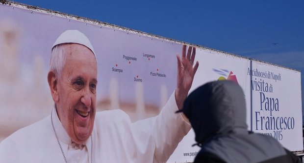 Napoli si prepara ad accogliere Papa Francesco