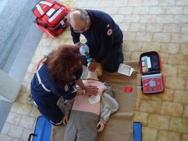 Ignobile gesto a Marigliano, rubato defibrillatore. L'amarezza del sindaco