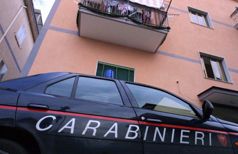 Ammazza la moglie e poi si costituisce ai carabinieri