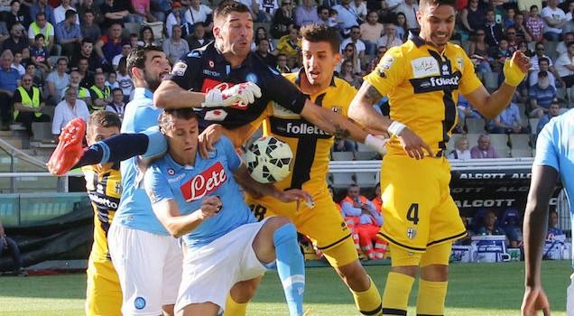 """Campionato di serie A: accuse al """"tritolo"""" di Donadoni al Napoli"""