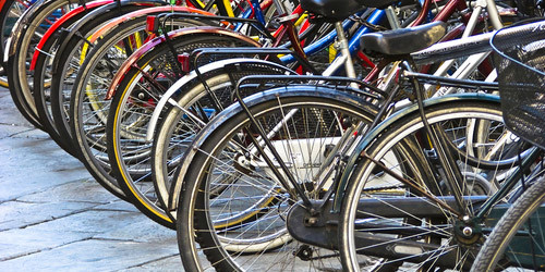 "Acerra. Dal Comune 50 biciclette ai Licei ""Alfonso Maria de' Liguori""  e ""B. Munari"""