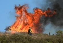 Vesuvio in fiamme, il Comune di Ottaviano mette a disposizione tre ambulanze