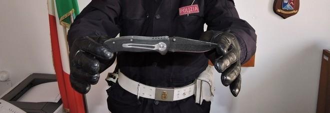 coltello polizia