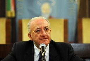 """Sanità campana, Rc accusa De Luca: """"Libero arbitrio allo spreco"""""""