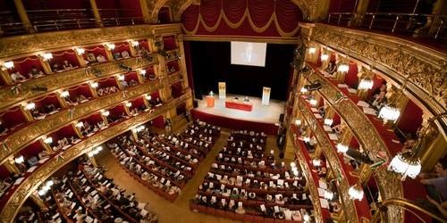 """Teatro: """"Alla faccia vostra"""", comicità e risate tra intrighi e ipocrisia. In scena a Casalnuovo e Pompei"""