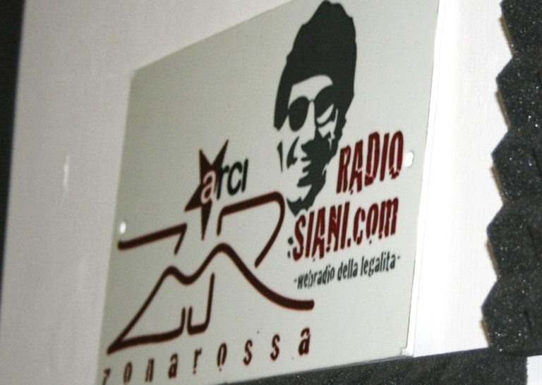 Radio Siani, speciale nella giornata internazionale contro la violenza sulle donne