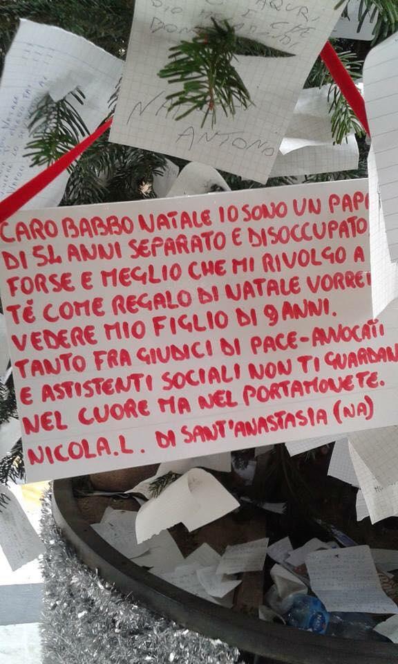 Papà disoccupato scrive a Babbo Natale per vedere suo figlio, la lettera che commuove il web