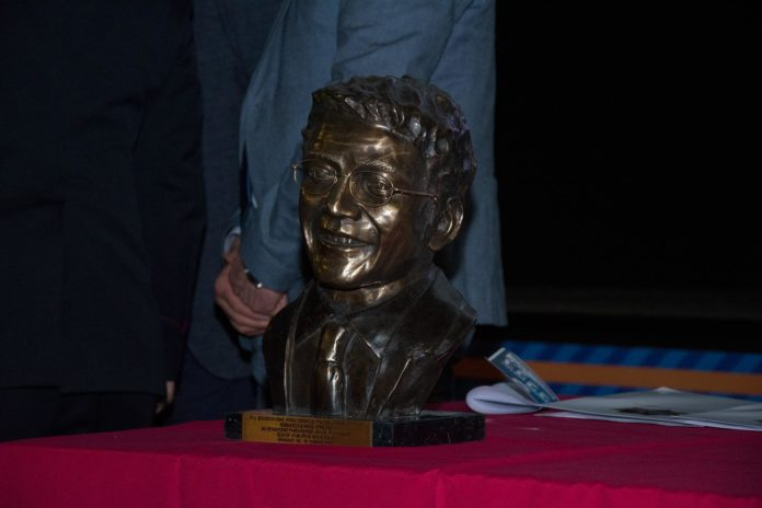 statua pm federico bisceglia