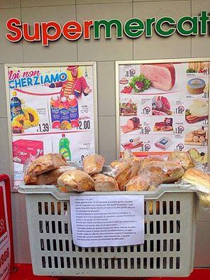 Dai supermercati Mazzeo pane gratis per chi ha bisogno