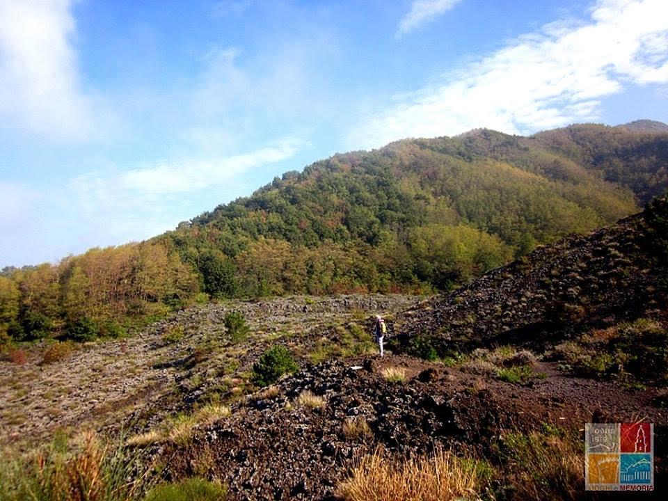 Vesuvio, passeggiando sul fiume di lava