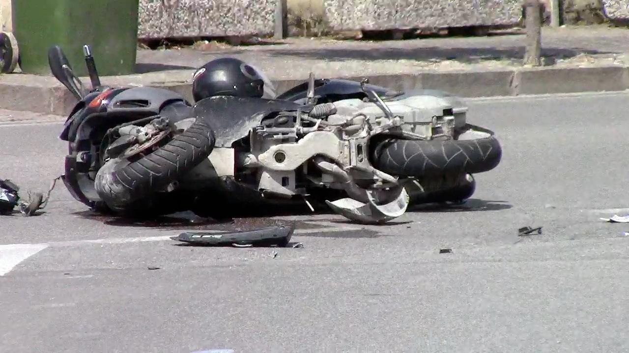 saviano incidente moto pirata della strada