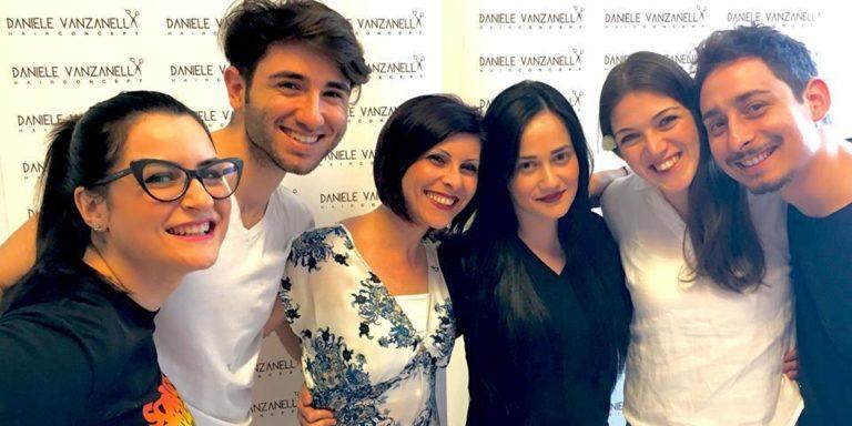 Vanzanella, parrucchieri al lavoro con sorriso e professionalità