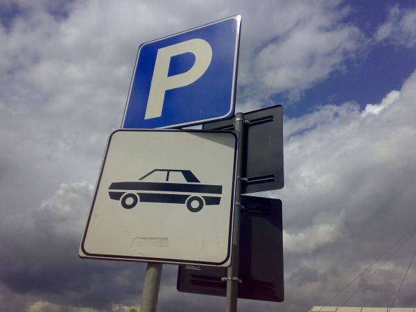 aree parcheggio auto