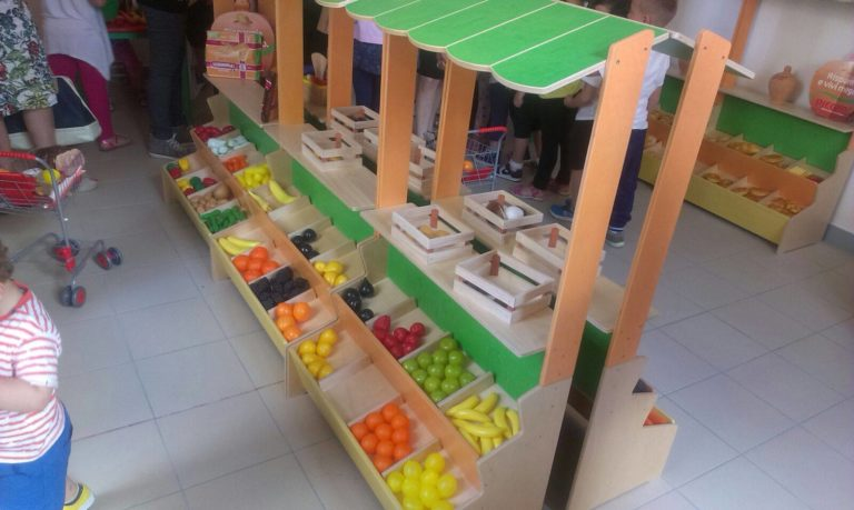 Nasce a scuola il supermercato dei piccoli FOTO