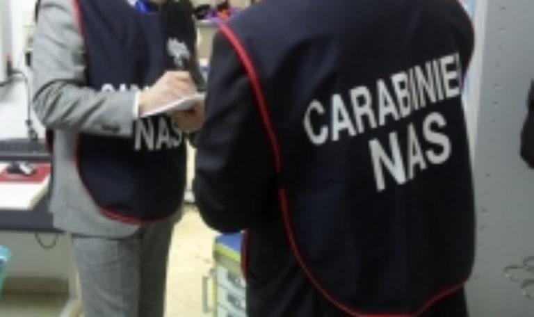 Violati i sigilli, i Nas ritornano e sequestrano supermercato e deposito pasticceria