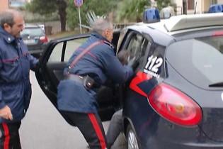 Sant'Anastasia. Rubano pezzi da auto rubata, arrestati due giovani