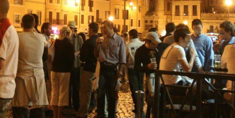 Movida, revocata ordinanza di chiusura dei locali a Pomigliano