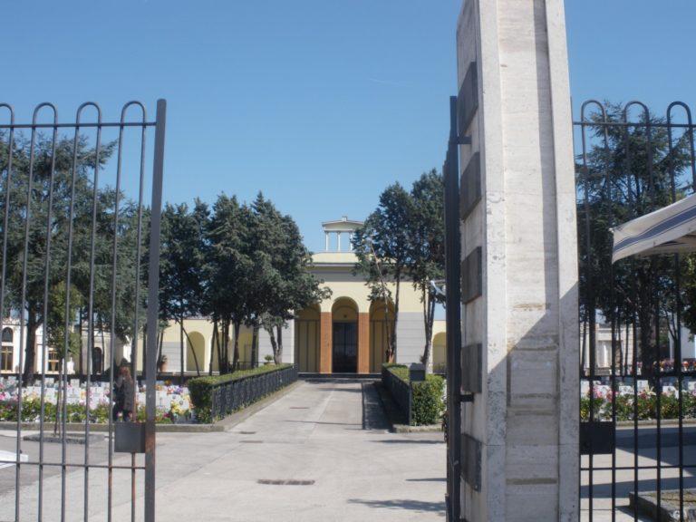 Cimitero comunale, dal 25 luglio ripartono i lavori di ampliamento