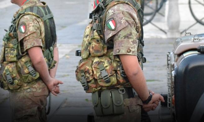 esercito campo rom