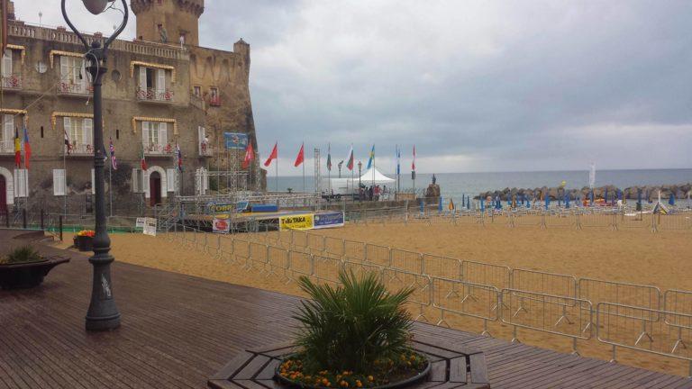 """Festa tra mare, shopping e i comici di """"Made in Sud"""""""