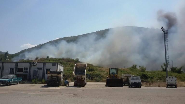 """Incendio a Paenzano 2, Manzi: """"Grazie a volontari e vigili, contro roghi si rispetti ordinanza"""""""
