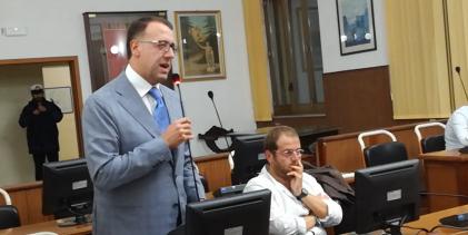 Via Cesare Augusto, in Consiglio Nocerino replica al sindaco