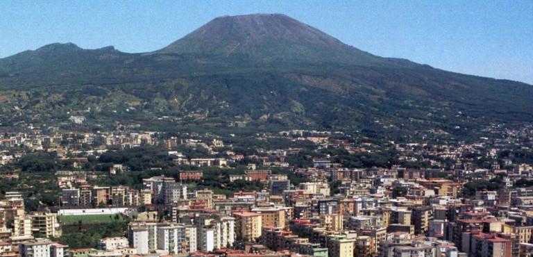 """Rischio vulcanico zone rosse, Tuccillo(Anci): """"Si definiscano i gemellaggi"""""""