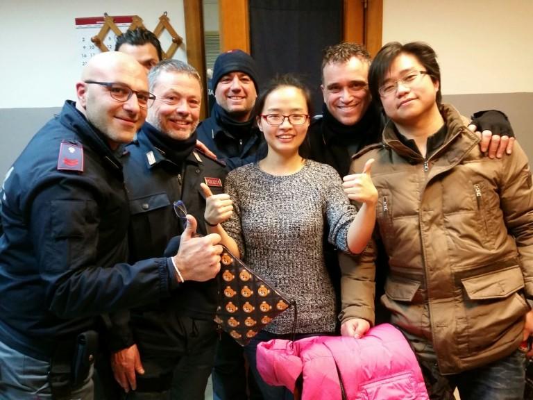 Prevenzione crimine Campania: poliziotti salvano una giovane coppia cinese.