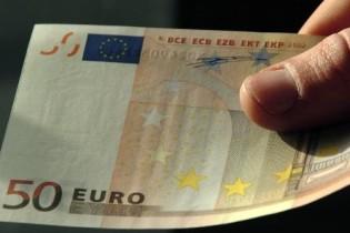 Trasportano immigrato e offrono 100euro ai carabinieri: due arresti