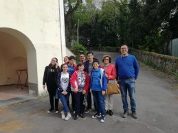 Ottaviano. Studenti a lezione con gli esperti nel Parco Nazionale e all'Osservatorio Vesuviano FOTO