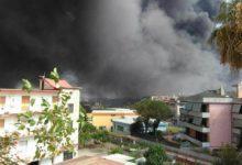 Due vasti incendi tra S.Anastasia e Cercola, fumo nero e odore acre invadono il Vesuviano (Foto)