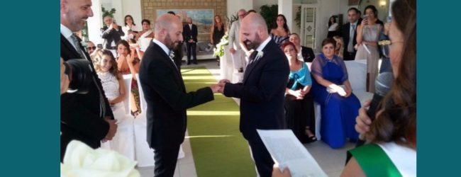 Ciro e Domenico sposi, un sogno d'amore realizzato dopo tredici anni insieme FOTO