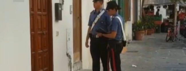 Finte case vacanza in affitto in tutta Italia: truffa per migliaia di euro, arrestato