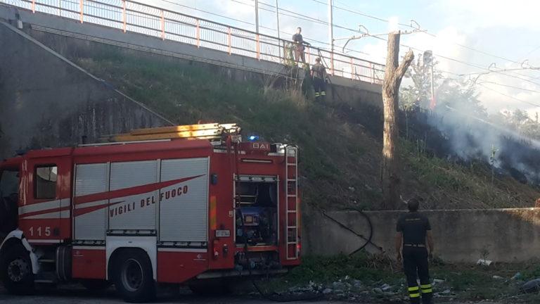Saviano, vigili del fuoco alla stazione Circumvesuviana. Ecco cosa è successo
