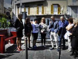 Una panchina rossa contro la violenza sulle donne, dedicata a Melania Rea e Antonetta Paparo