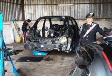 Auto rubate in un capannone a Saviano, rubava anche energia elettrica, due denunciati