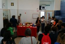 Refezione scolastica a Casalnuovo. Genitori e docenti in visita al centro cottura, per 120 famiglie servizio gratuito