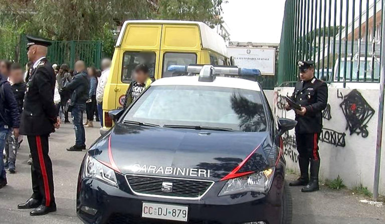 Scuolabus poco sicuri, scatta la denuncia: 61 infrazioni al C.d.S. e 17 mezzi sequestrati