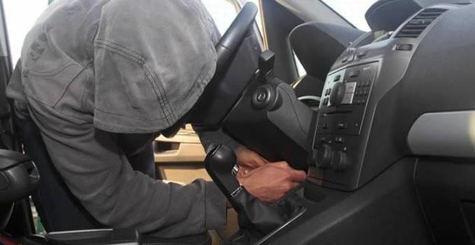ladro - ruba auto - furto