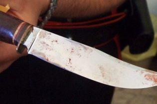 Tenta di uccidere la madre nel sonno con un coltellaccio, 47enne arrestata