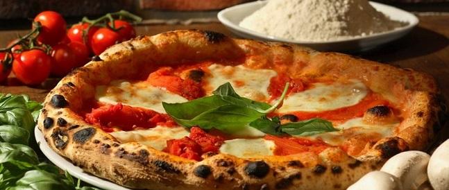 """Sul lungomare stabiese """"Pizza in Villa"""": degustazioni, spettacolo e moda"""