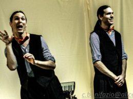 Al teatro Bolivar in scena Lesjumeaux, la magia degli artisti di strada