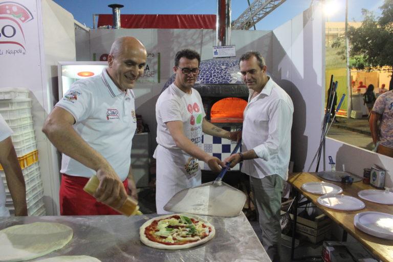 Napoli Pizza Village, al via col botto l'edizione 2018: presenti anche De Magistris e De Luca