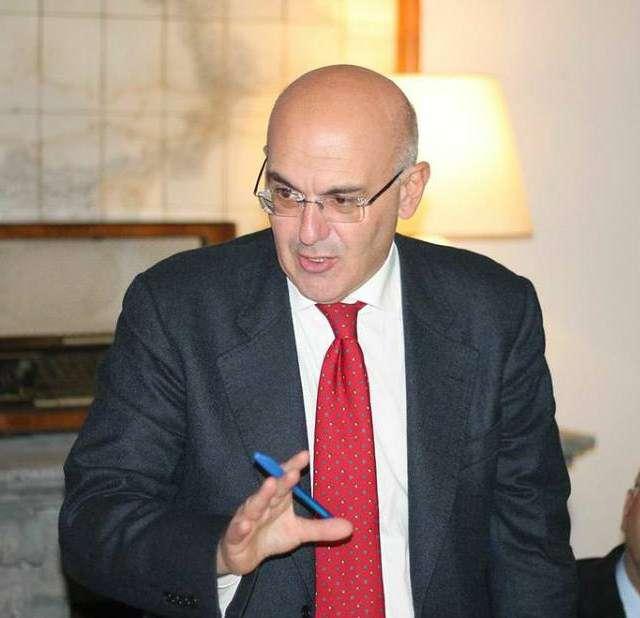 """Il presidente dell'ordine degli avvocati al Ministro:""""Ci aiuti"""""""